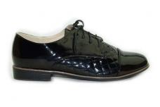 Juodi lakuoti su raišteliais moteriški batai 7602