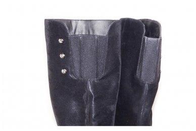 Ilgi juodi matiniai  storu padu papuošti trimis kniedėmis su pašiltinimu ir užtrauktuku šone moteriški batai 5607 4