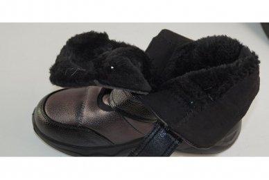 Juodai-pilkšvi užsegami lipdukais storu padu moteriški batai su kailiu 4