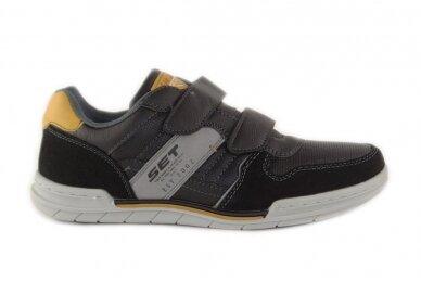 Juodi su lipukais laisvalaikio batai paaugliams