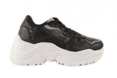 Juodi suvarstomi baltu storu padu moteriški sportiniai batai