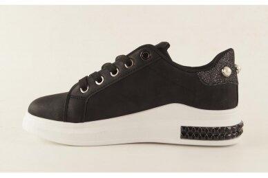 Juodi suvarstomi papuošti akutėmis moteriški laisvalaikio batai 5131 2