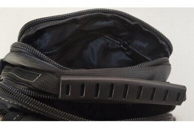 Nedidelė juoda pluoštinė vyriška rankinė per petį 7066 6
