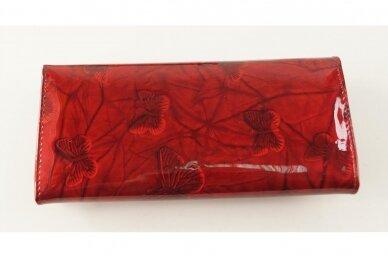 Tamsiai raudona odinė lakuota pagražinta drugeliais Angela Moretti moteriška piniginė su RFID apsauga 512r 2